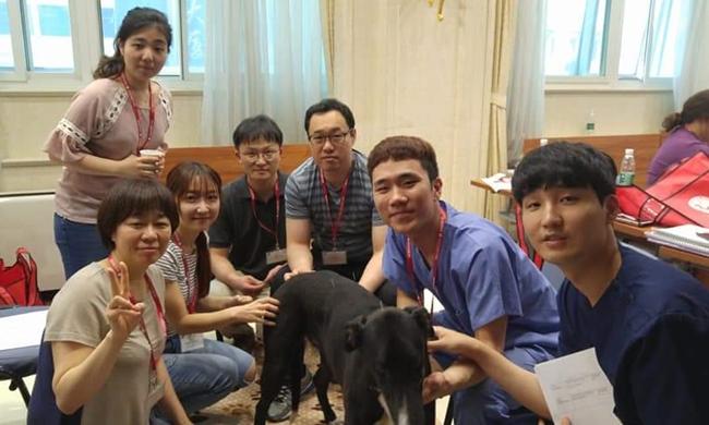 지난 5월 중국 광저우에서 열린 chi institute 교육에 참가했다.  (오른쪽 두번째가 필자)