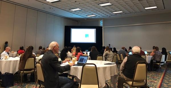 차세대 염기서열 분석법 활용을 논의하는 참가자들 (출처: 필자 촬영)
