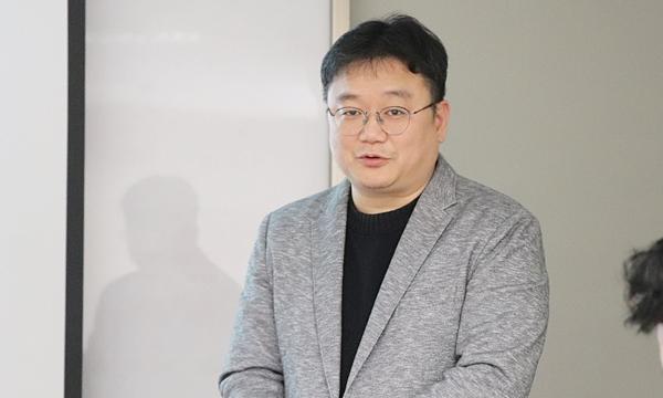 서울대 사회발전연구소 김석호 소장