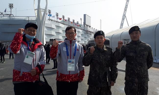 (왼쪽부터) 육군 수의병과 박기원 중위, 김병수 중령, 한누리 중위. 패럴림픽 대회의 예방의무 활동은 한 중위가 담당할 예정이다. (사진 : 육군 수의병과)