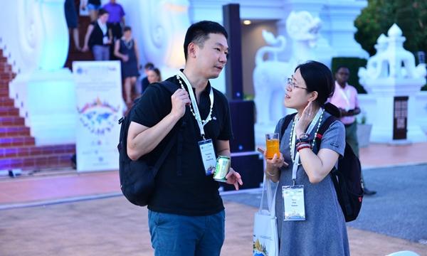 김연중 수의사(왼쪽)