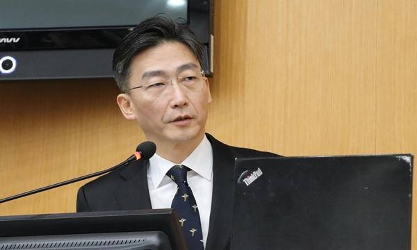 서울대 동물병원 응급의료센터 개소식에서 특강을 펼친 이국종 아주대 교수