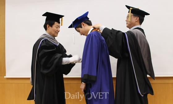 성적최우수 박민철 학생