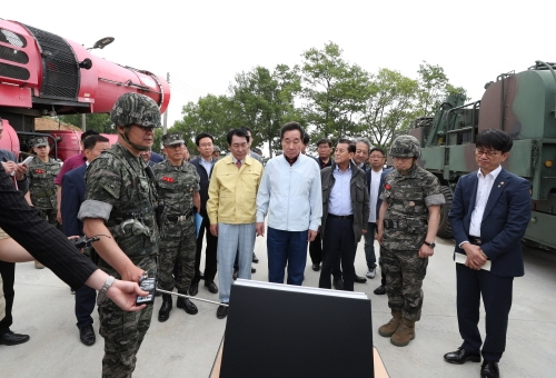 1일 한강하구지역 방역상황을 점검한 이낙연 총리 (사진 : 국무조정실)
