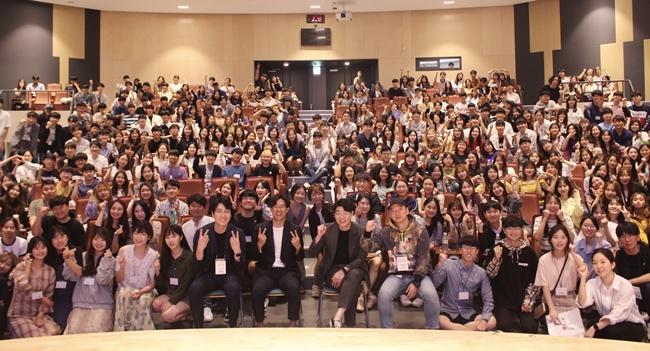 지난해 충북대 수의대 동아리 '유수키'가 주최한 강연에 참가한 수의대생은 400여명을 기록했다.  좋은 강의를 바라는 학생들의 수요는 이미 자체적인 섭외로도 이어지고 있다.