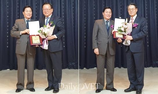 김옥경 대한수의사회장으로부터 감사패를 받는 김부겸(왼쪽), 김재수(오른쪽) 전 장관