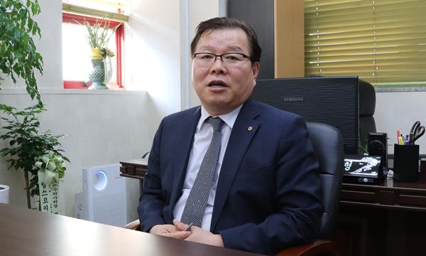 2일 공식 임기를 시작한 허주형 신임 대한수의사회장